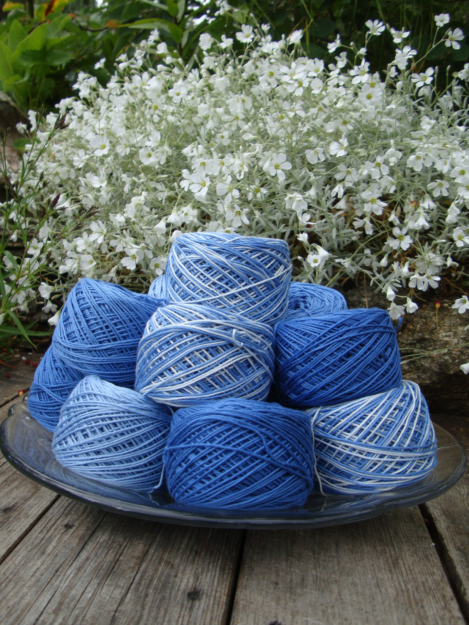 ekologiskt bomullsgarn handfärgat i blå nyanser