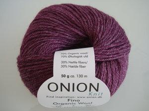 Onion no 4 FINO Organic Wool + Nettles 70% ekologisk ull & 30% nässlor vinröd nr 819