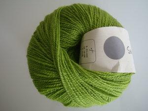 B C Garn Semilla fino 100% ekologisk ull gräsgrön nr 112