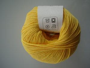 B C Garn Alba 100% ekologisk bomull gul nr 18