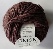Onion no 4 FINO Organic Wool + Nettles 70% ekologisk ull & 30% nässlor  brun nr 838